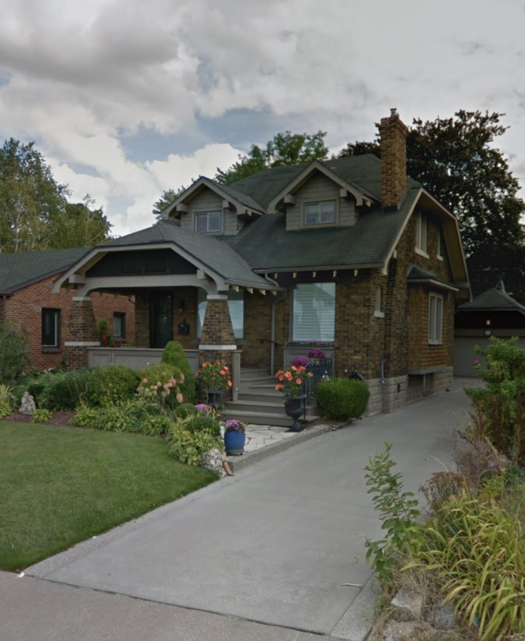 Single Family Homes For Rent: SPECTACULAR 2 STOREY WITH DOUBLE GARAGE & PANORAMIC RIVER